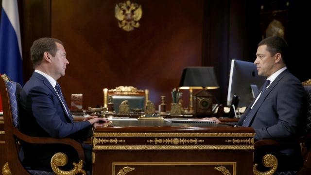 Медведеву рассказали, чем занимаются резиденты псковской особой зоны