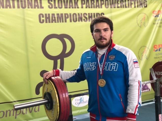 Петербургский параолимпиец победил в международном турнире по паэурлифтингу