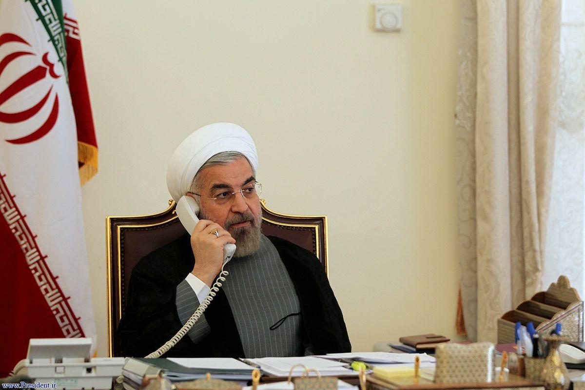 Рухани говорит по телефону с Эммануэлем Макроном