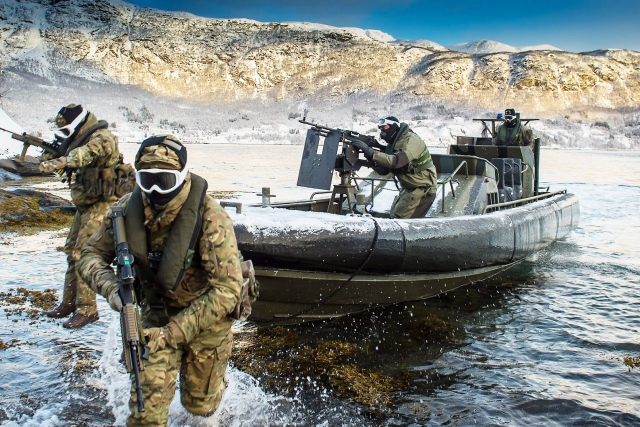 Войска НАТО в ходе учений «Cold Response 16». Харстад, Норвегия