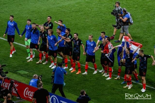 Игроки сборной Хорватии благодарят болельщиков