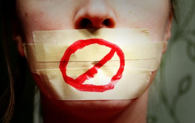 На Украине продолжает деградировать положение журналистов — Захарова