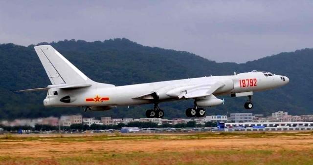 «АрМИ-2018»: истребители и бомбардировщики Китая вылетели в Россию