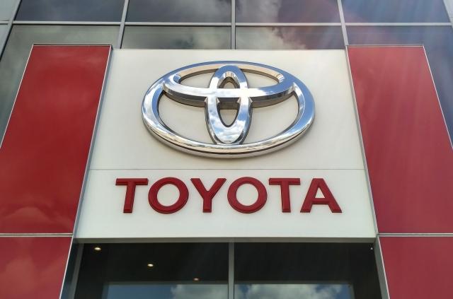 Первое видео: Toyota вывела возрождённый спорткар Supra на трассу Гудвуда