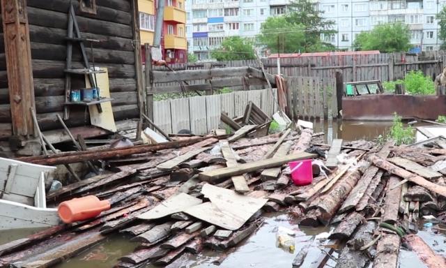 Жители деревень и сел Забайкалья пытаются спасти дома от подтопления