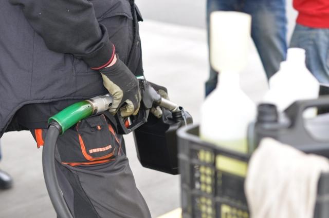В Таджикистане снова повысились цены на автомобильное топливо