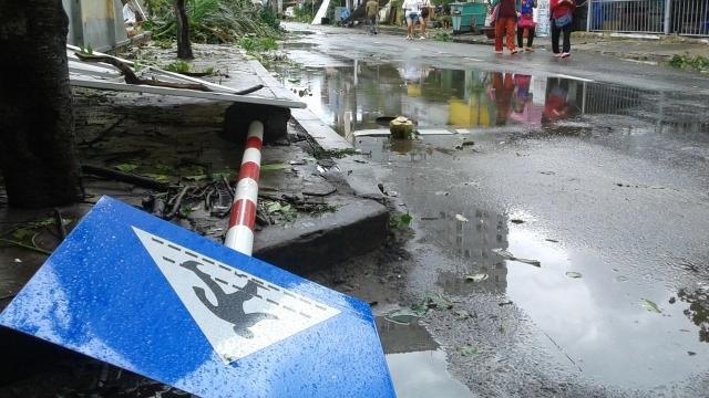 Жертвами тайфуна в Японии стали уже 209 человек