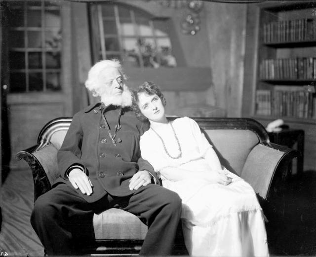 «Дом, где разбиваются сердца» — пьеса ирландского драматурга Бернарда Шоу с подзаголовком «Фантазия в русском стиле на английские темы»м