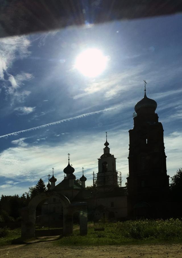 Церковь Михаила Архангела, «что в бору», в трех километрах от дома отца Рафаила