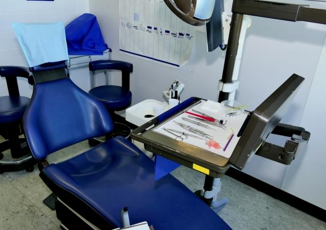 Военным пенсионерам Тюменской области вернули доступную стоматологию