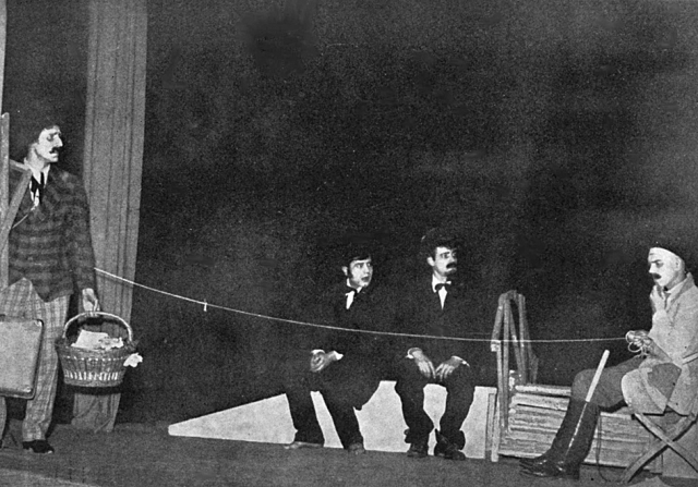 «В ожидании Годо» и день рождения театра абсурда