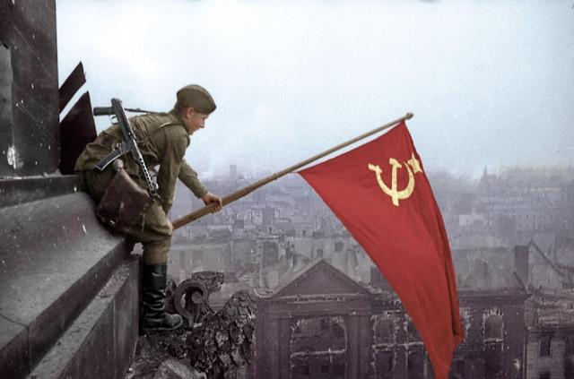 Власти Перми отказались отвечать на запрос по поводу запрета Знамени Победы