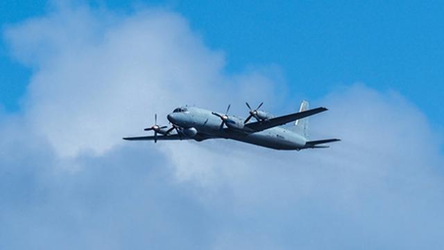 Разведку ледового поля в Арктике провели летчики Северного флота