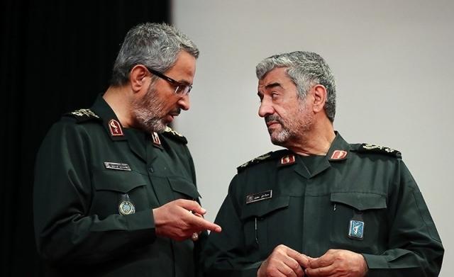 Мохаммад Али Джафари (справа)