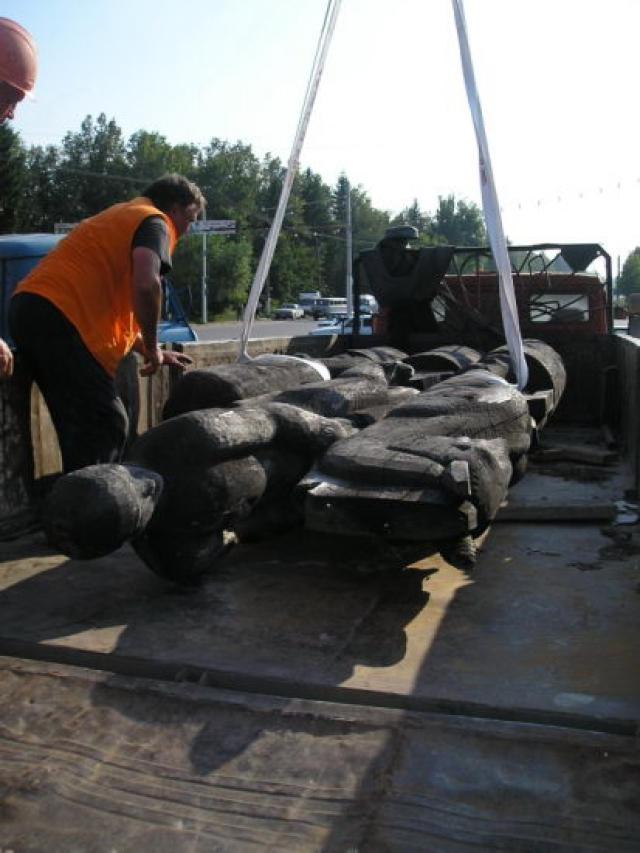 Демонтаж и вывоз скульптуры в парк 500-летия