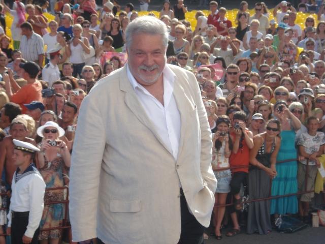 Юлий Гусман получил поздравления с 75-летием от Медведева