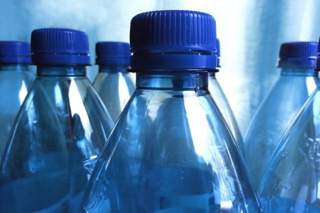 На станциях МЦК начали раздавать воду из-за жары в Москве
