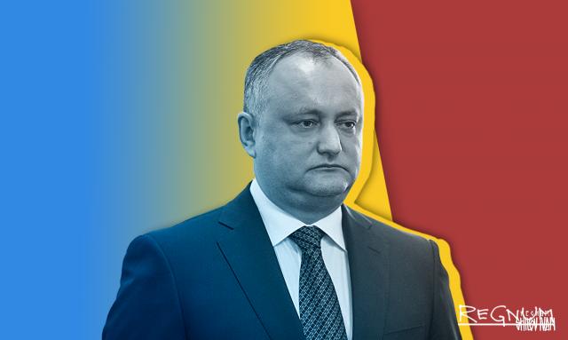 Додон легализовал в Молдавии коррупцию и отмывание денег для Плахотнюка