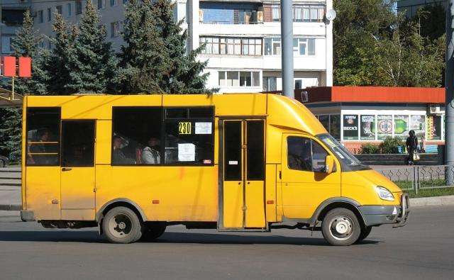Неправильные права. В Челябинске арестовали водителя маршрутки