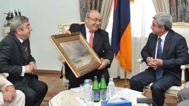 Экс-президенту брат подарил картину Айвазовского: СК выясняет, кто её украл