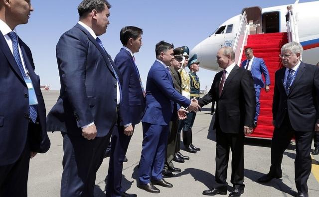 Путин прибыл в Актау на V Каспийский саммит