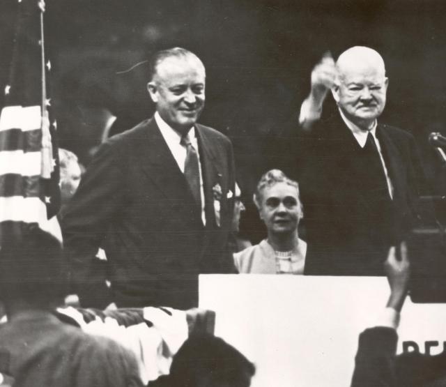 Стайлз Бриджес (слева)