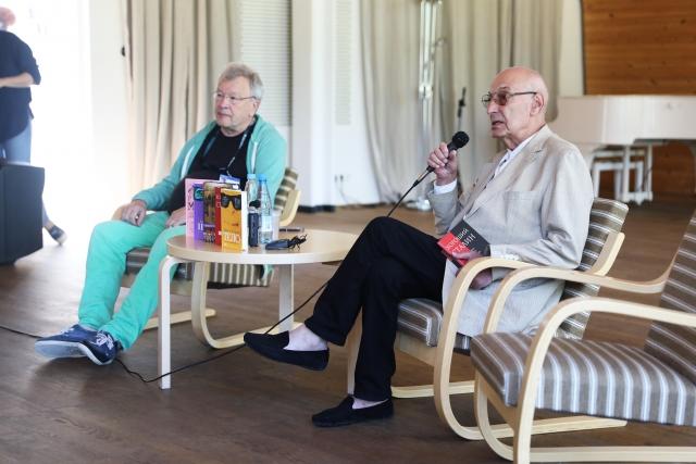 Виктор Ерофеев и Армен Меведев