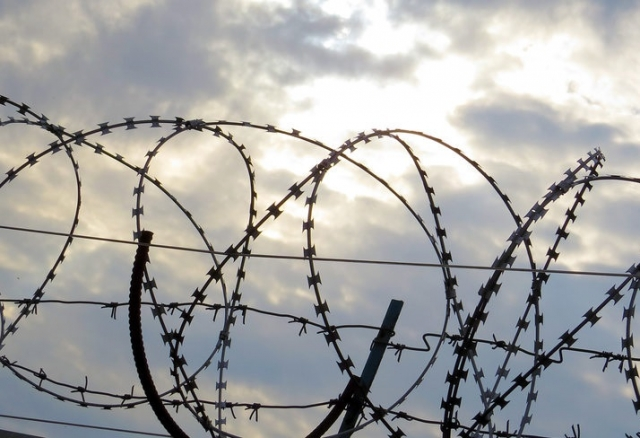 Семь лет заключения каждому: уральская группировка легализовывала мигрантов
