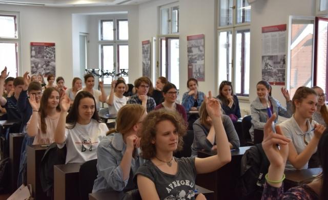 filmi-russkie-studenti-sem-seks-rossii