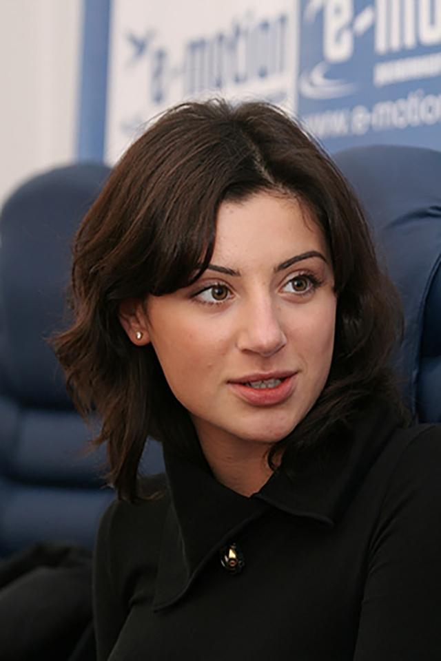 Украинский министр запретил ездить в РФ, где его жена торгует одеждой