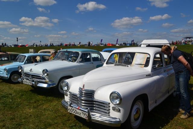 В Калуге состоялся фестиваль исторических автомобилей «Автострада-2018»