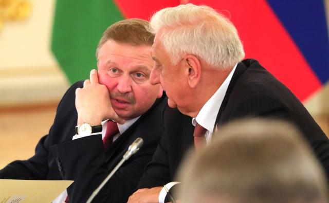 Андрей Кобяков (слева)