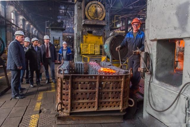 Во Владимире возобновит работу закрытый тракторный завод