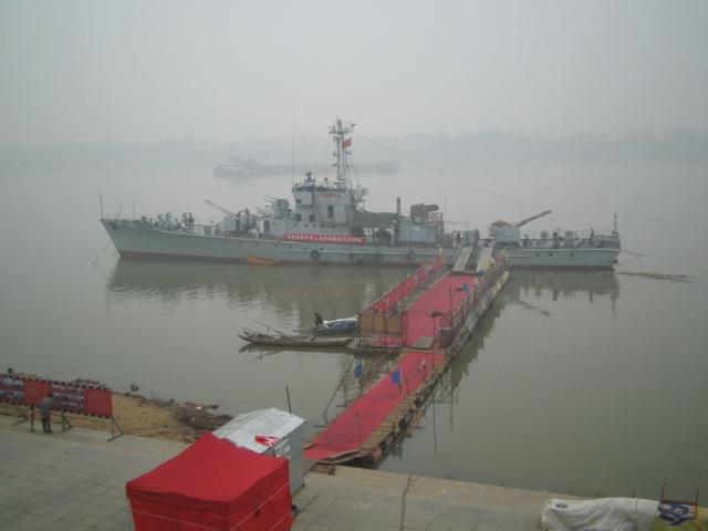 Патрульный катер, на котором Дэн Сяопин в 1992 году отправился в тур по южным регионам Китая