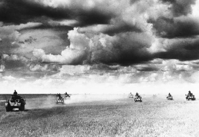 Танковая атака японцев перед рекой Халхин-Гол. Июль 1939