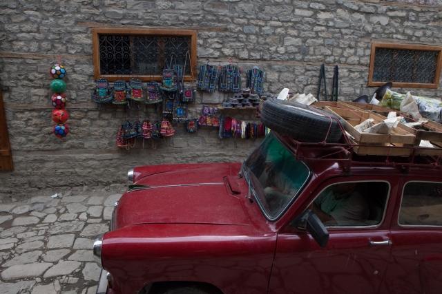 Продажа сувениров на центральной улице