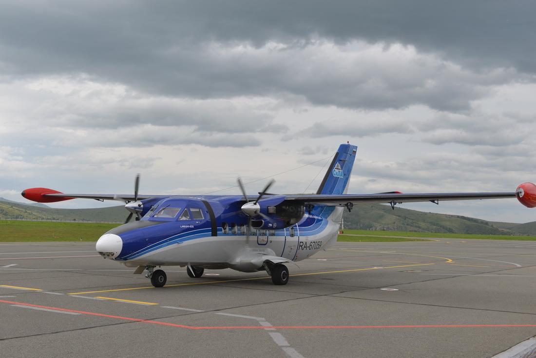 В аэропорту Горно-Алтайска сел самолёт L-410, он будет выполнять рейсы по маршруту Горно-Алтайск – Новосибирск