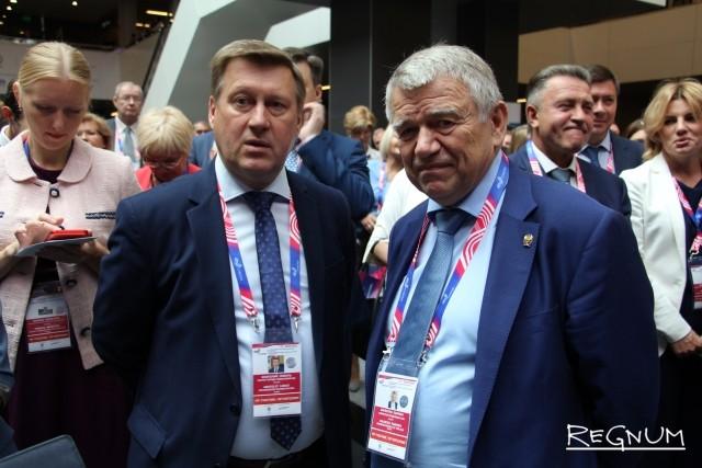 Мэр Новосибирска Анатолий Локоть (слева) и председатель СО РАН академик Валентин Пармон (Справа)