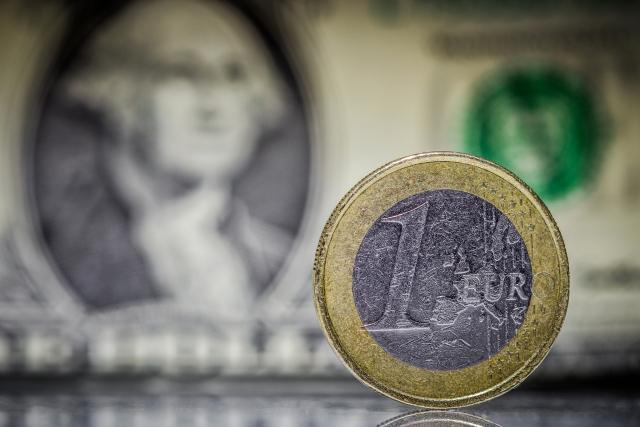 Доллар vs Евро