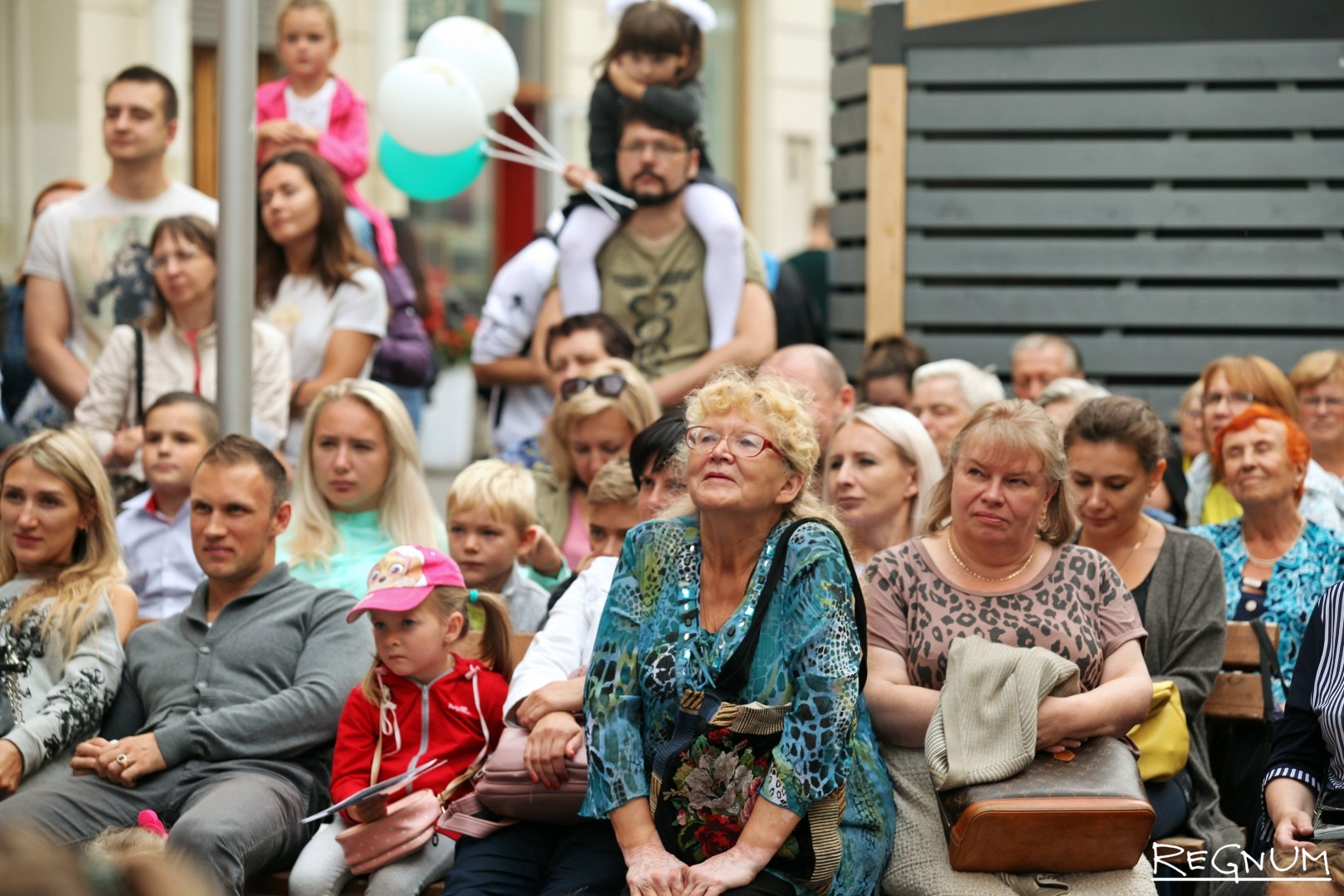Гости театрального праздника 1-ого сентября