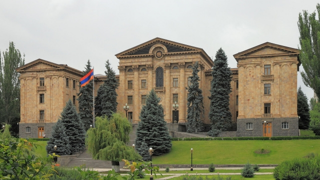 Здание Национального Собрания Республики Армения. Ереван, Армения