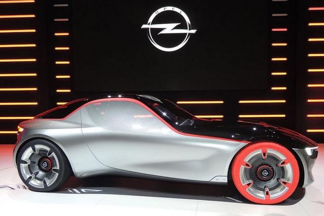Компания Opel отказалась от участия в парижском автосалоне 2018 года