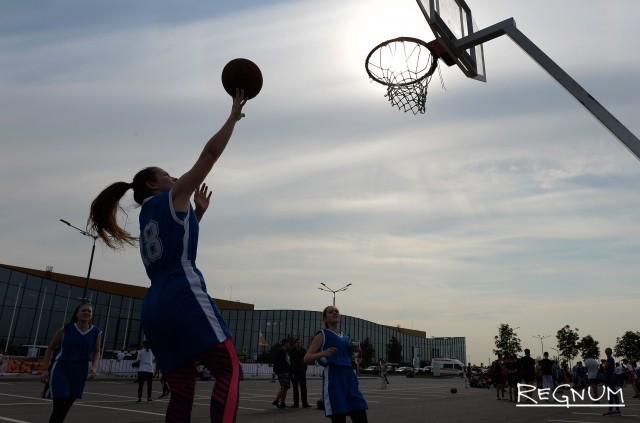 «Оранжевый мяч» в Северной столице: фоторепортаж