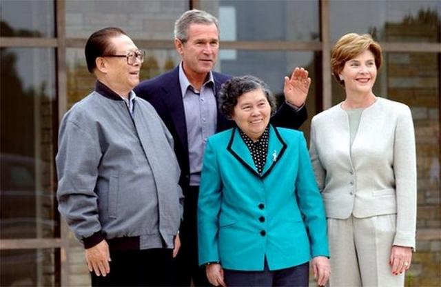 Цзян Цзэминь с экс-президентом США Джорджем Бушем младшим