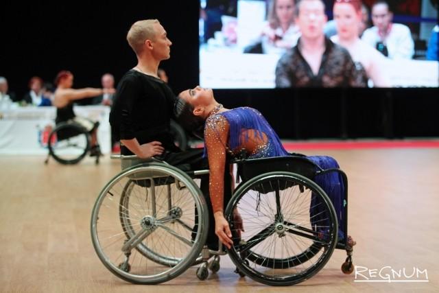 Танцы спортсменов на Кубке