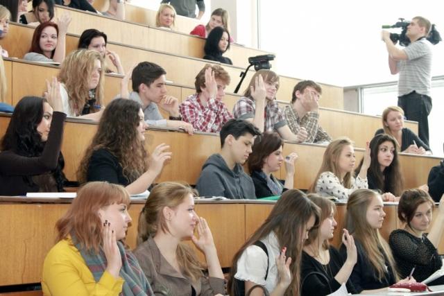Эксперт ВЭФ назвал устаревшей мировую систему образования