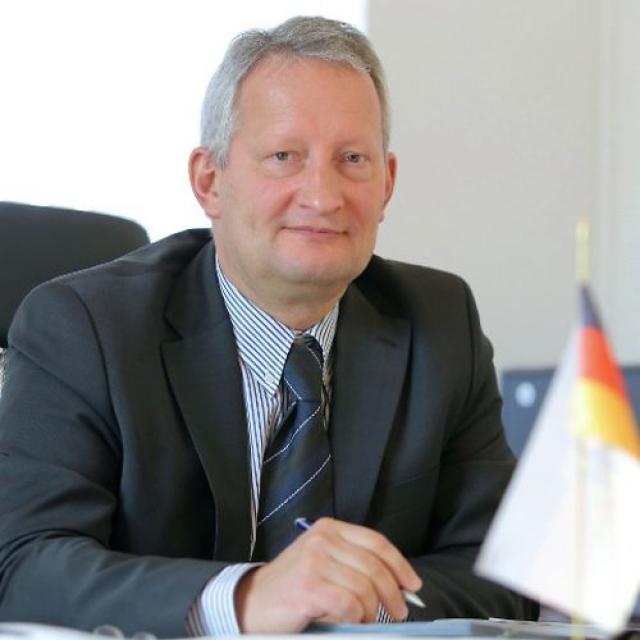Генеральный консул ФРГ в Новосибирске покидает свой пост и уезжает в Москву
