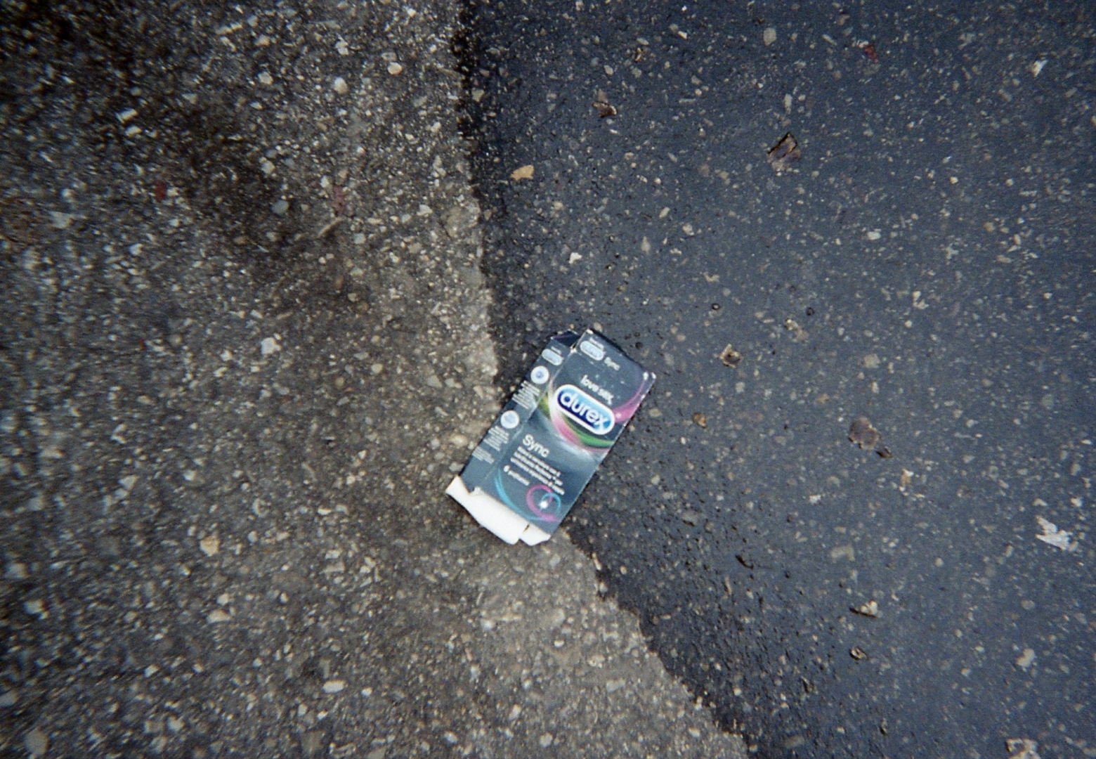 Пустая упаковка из-под презервативов Durex