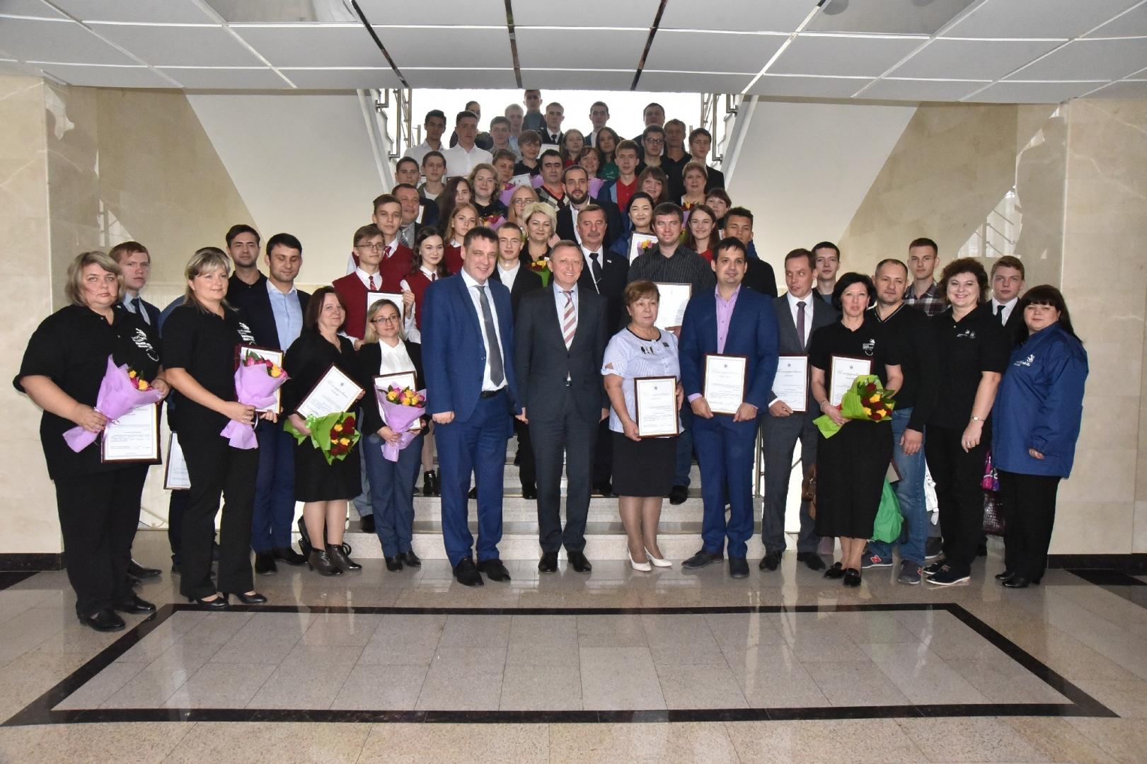 В правительстве Новосибирской области наградили победителей чемпионата Worldskills Russia