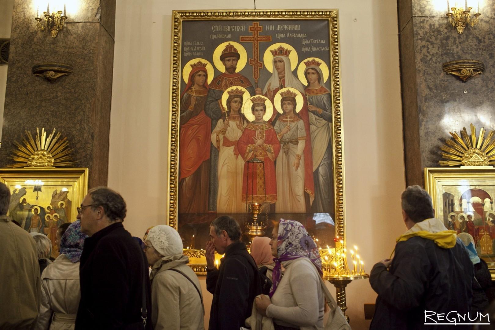 Праздничная Божественная литургия в Казанском кафедральном соборе